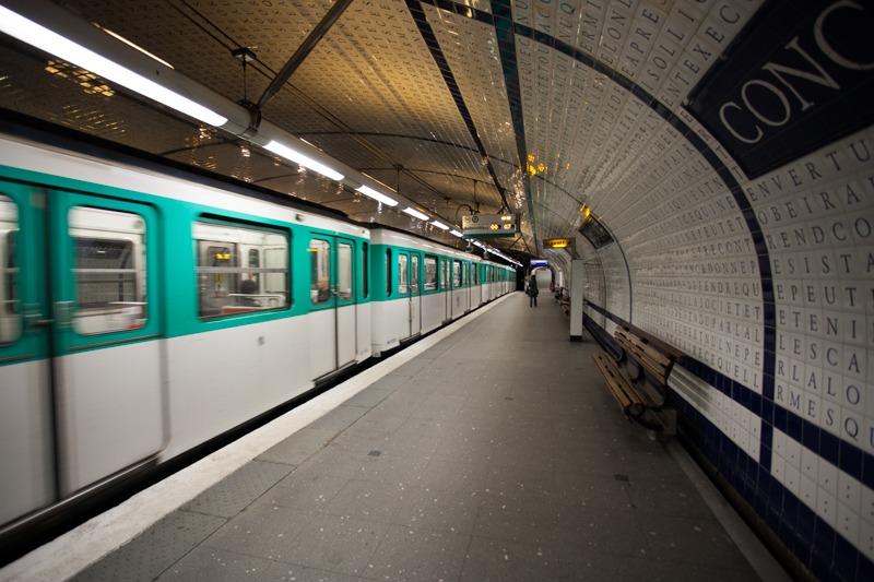 Metro-Parisien