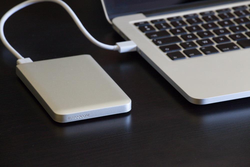 freecom-mobile-drive-macbook
