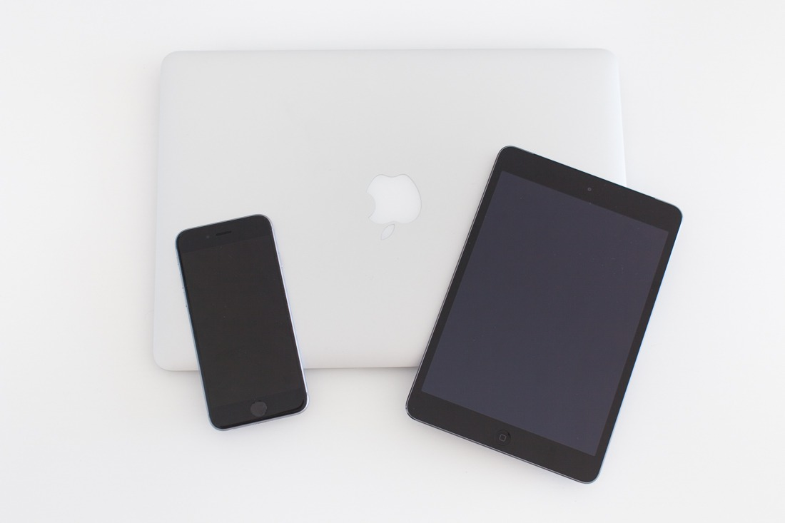 ordinateur-macbook-ipad-mini-iphone