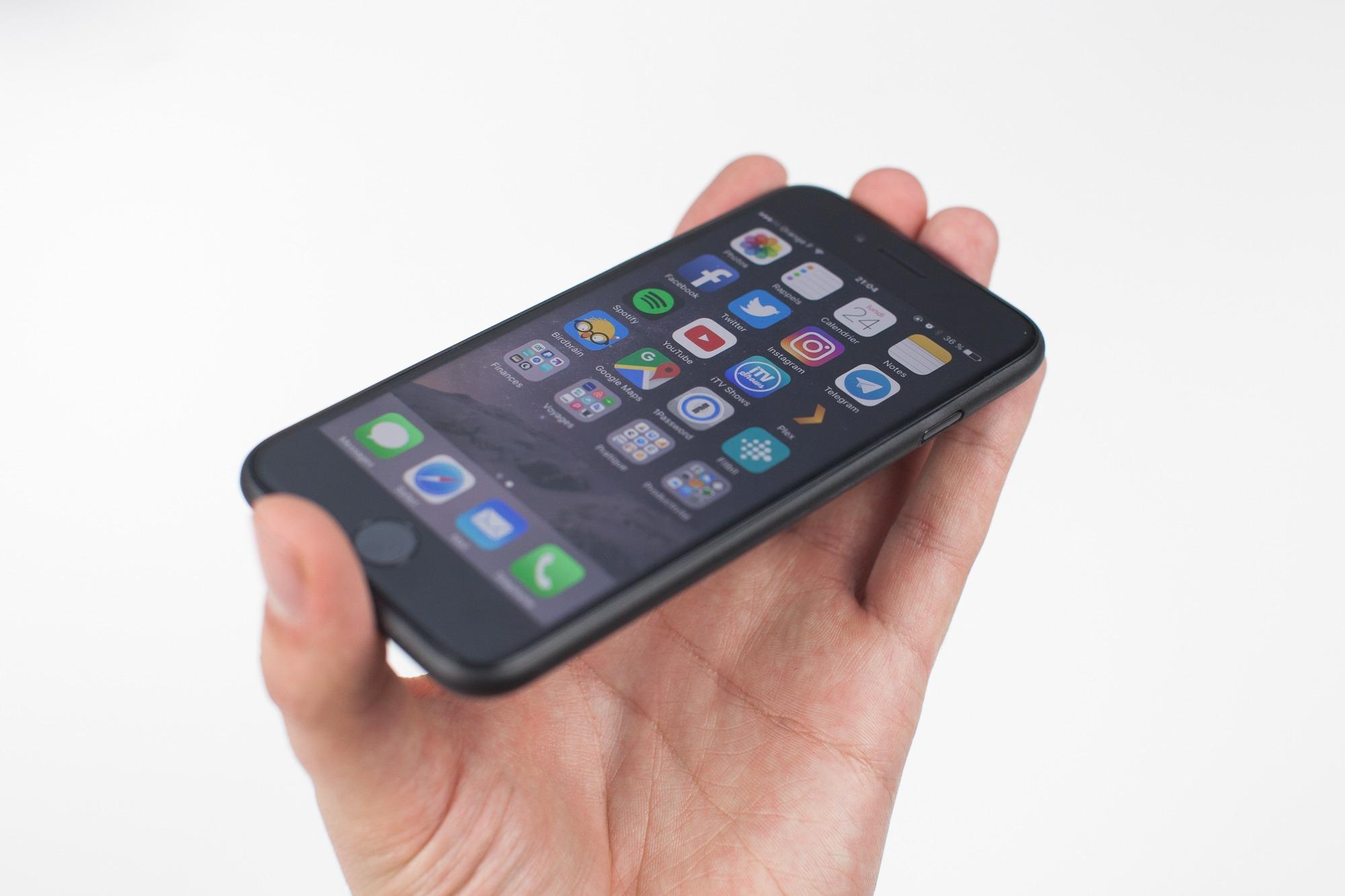coque-ultra-fine-garantie-vie-iphone7-1