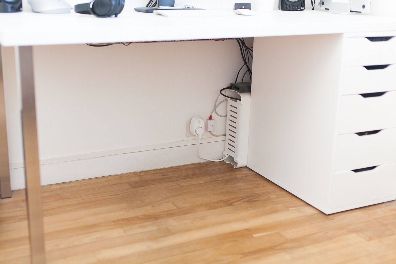 Comment faire un bon cable management pour son bureau ? antoine